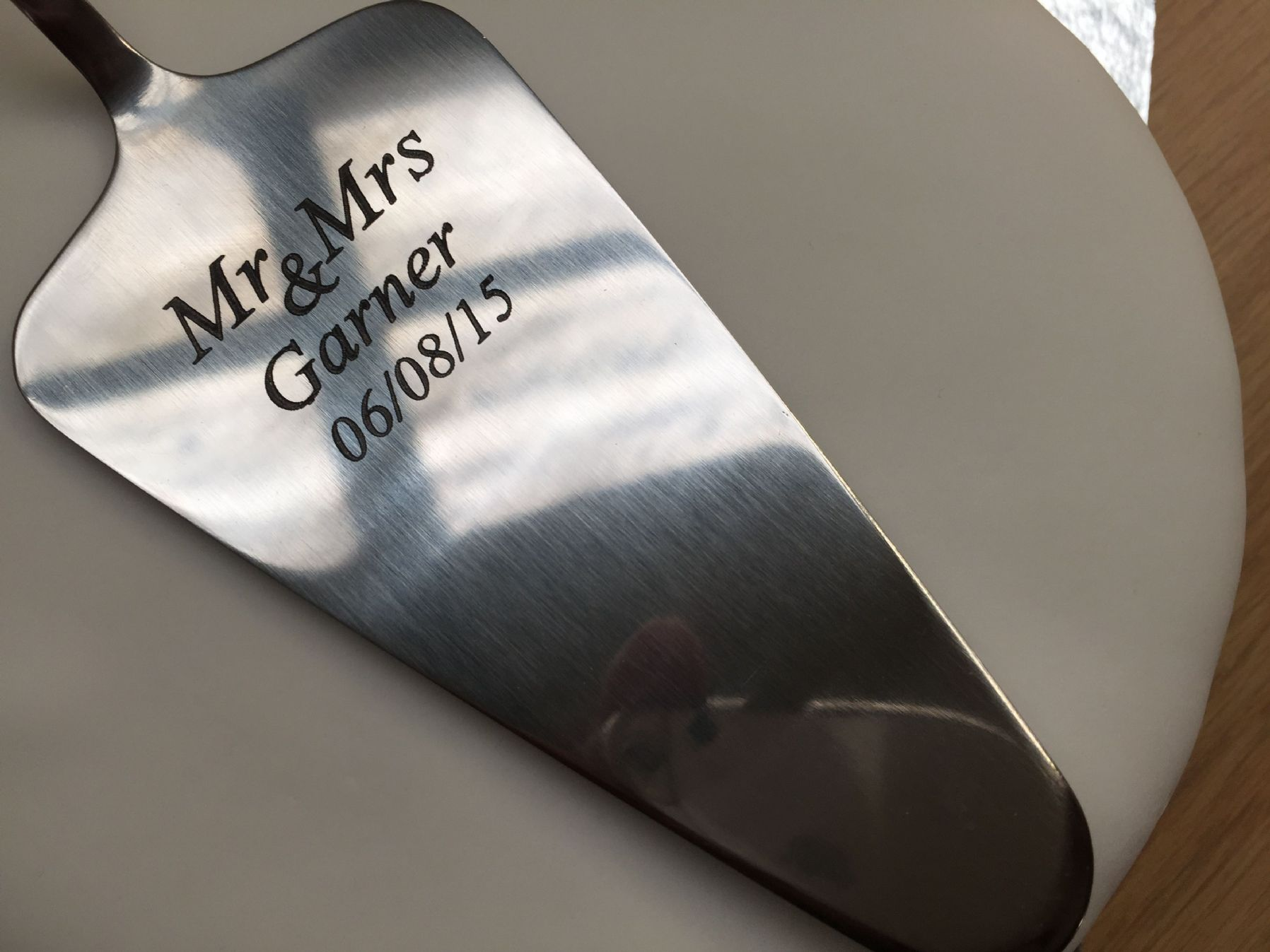 stainless steel kitchen racks chair pads pottery barn personalised wedding cake slicer
